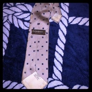 Yves saint Laurent tie all silk